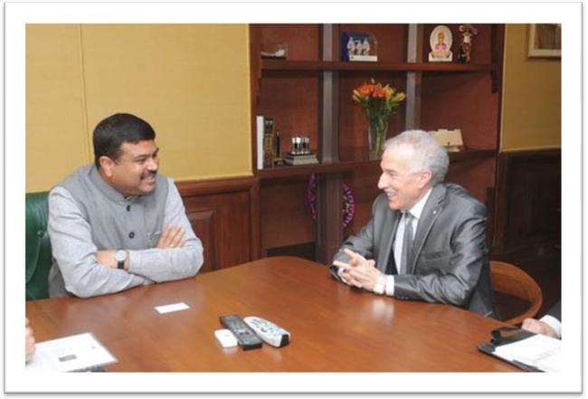 H.E. Mr Hamza YAHIA-CHERIF meets the Minister of State (I/C) for Petroleum and Natural Gas Shri Dharmendra Pradhan